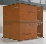 """Begehbare Skulptur """"Haus des schweigenden Denkens"""" von Harald Kröner. Stahlblech, wasserstrahlgeschnitten, Stahlprofile, Schrauben, ca. 205 x 205 x 210 cm,  2004; Quelle: Harald Kröner (Pforzheim)"""